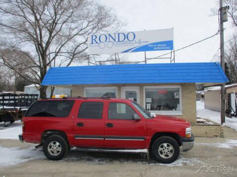 2002 Chevrolet Suburban for sale at Rondo Truck & Trailer in Sycamore IL