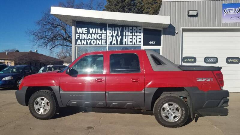 2003 Chevrolet Avalanche for sale at STERLING MOTORS in Watertown SD