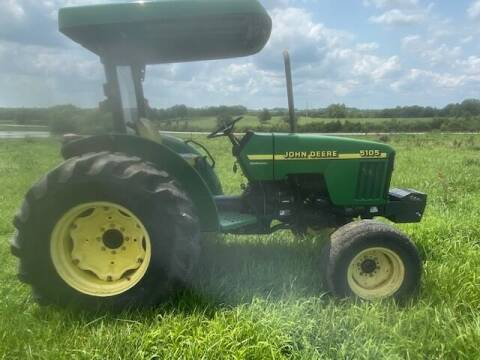 2004 John Deere 5105 for sale at The Ranch Auto Sales in Kansas City MO
