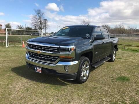 2017 Chevrolet Silverado 1500 for sale at LA PULGA DE AUTOS in Dallas TX