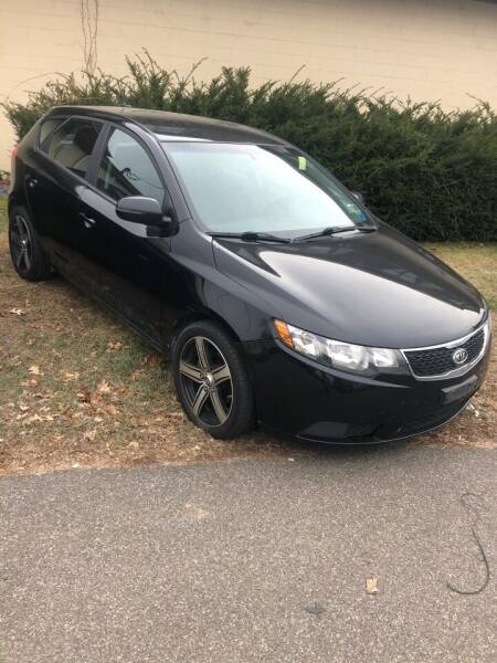 2012 Kia Forte5 for sale at QUALITY USED CARS LLC in Wallingford CT