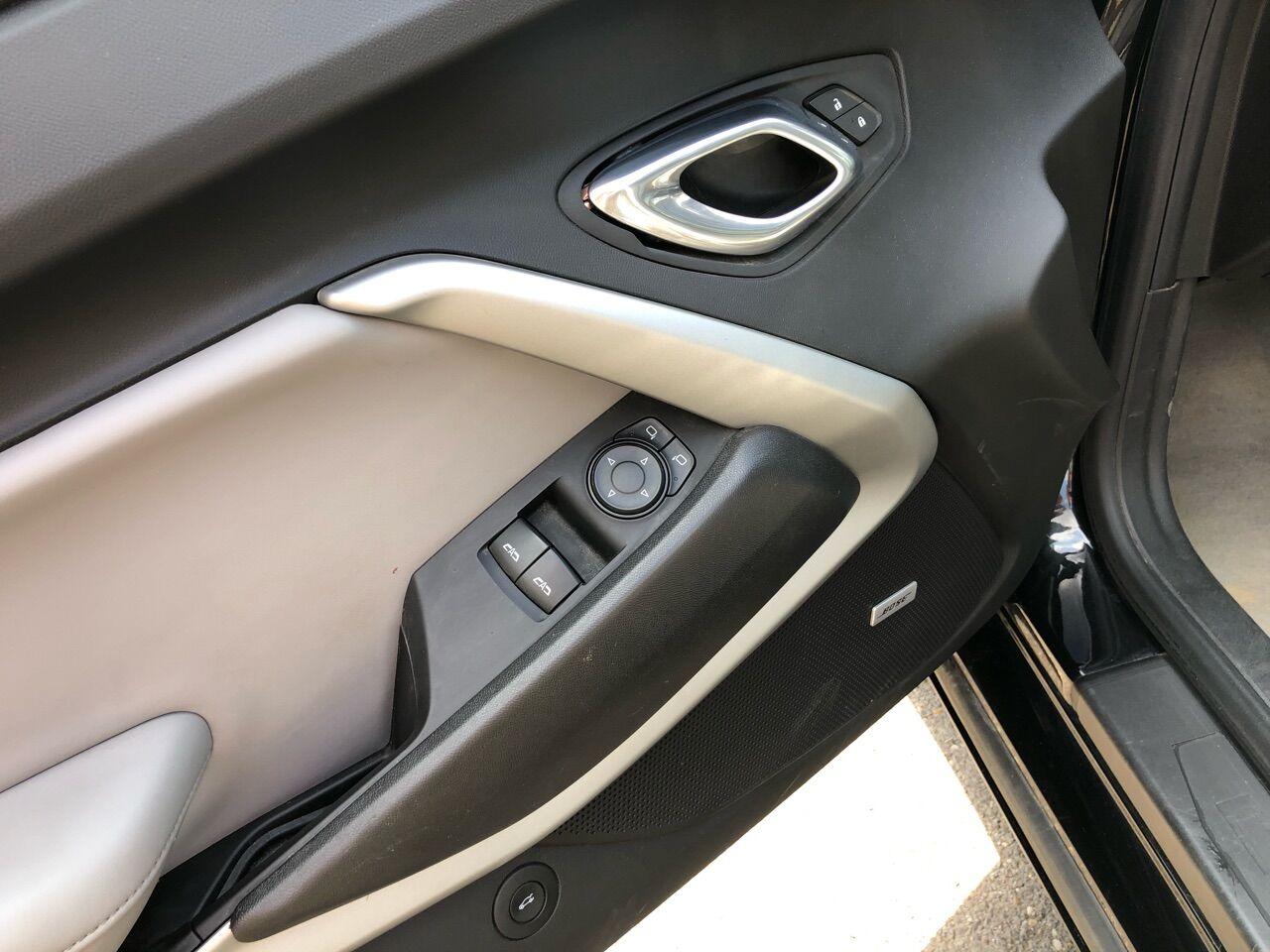 2018 Chevrolet Camaro 2dr Car