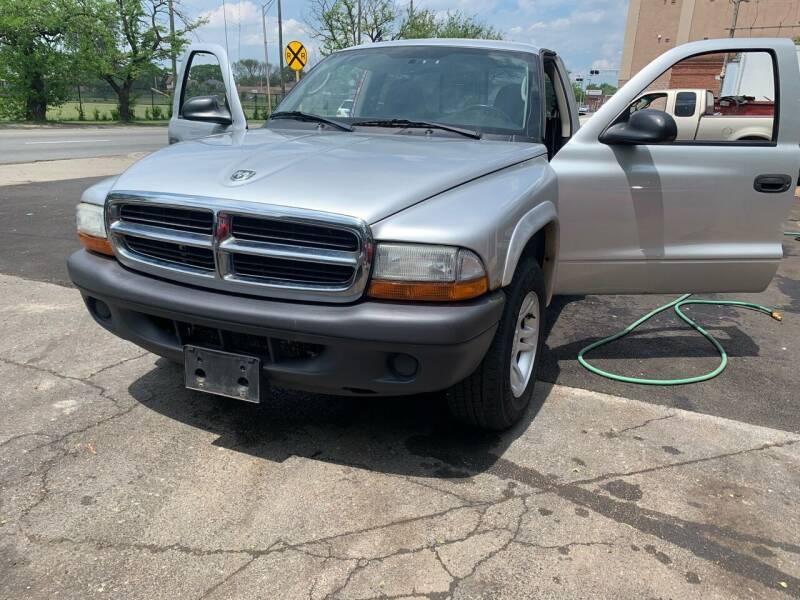 2004 Dodge Dakota for sale at Morelia Auto Sales & Service in Maywood IL