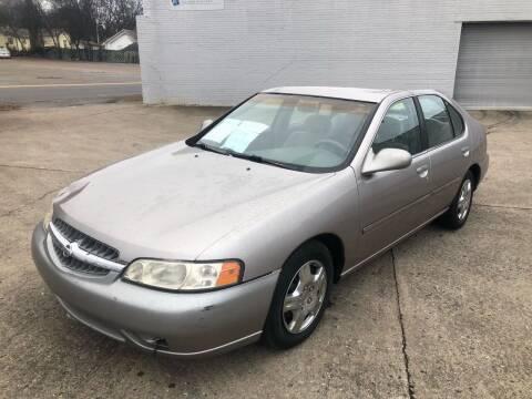 2000 Nissan Altima for sale at Diana Rico LLC in Dalton GA
