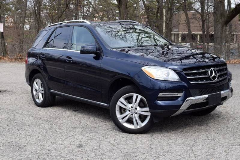2014 Mercedes-Benz M-Class for sale at Bill Dovell Motor Car in Columbus OH