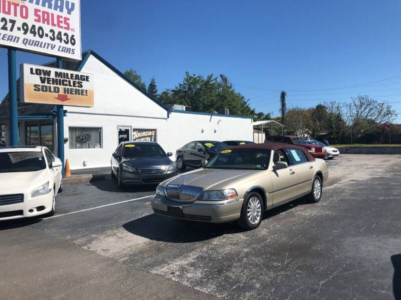 2004 Lincoln Town Car for sale at Sunray Auto Sales Inc. in Holiday FL