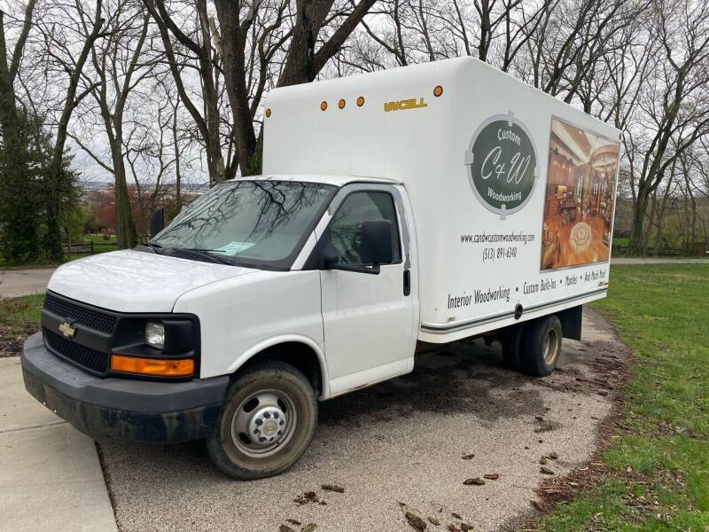 2009 Chevrolet Express Cutaway for sale at Mr. Auto in Hamilton OH