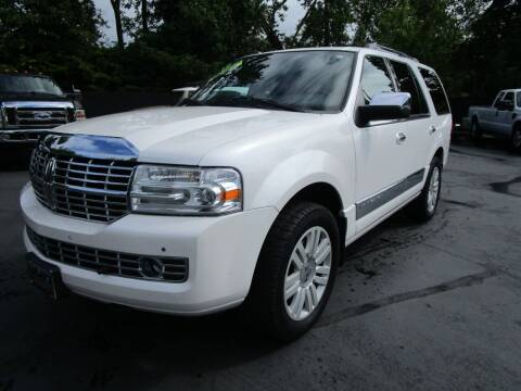 2012 Lincoln Navigator for sale at LULAY'S CAR CONNECTION in Salem OR