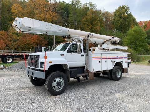 2002 GMC 8500 for sale at Henderson Truck & Equipment Inc. in Harman WV