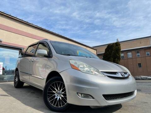 2008 Toyota Sienna for sale at Car Mart Auto Center II, LLC in Allentown PA