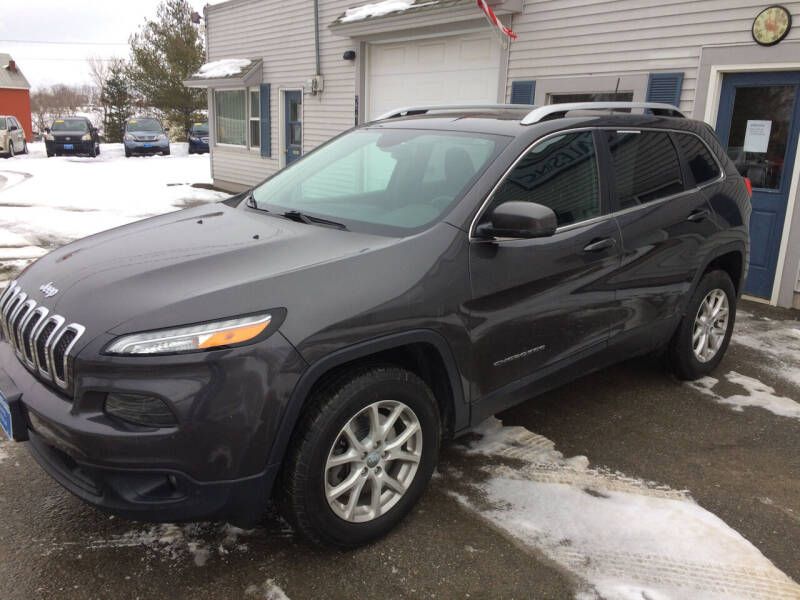 2016 Jeep Cherokee for sale at CLARKS AUTO SALES INC in Houlton ME