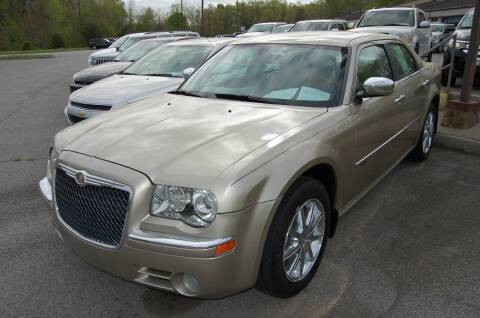 2009 Chrysler 300 for sale at Modern Motors - Thomasville INC in Thomasville NC