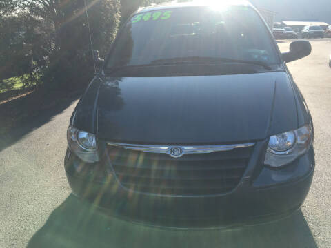 2007 Chrysler Town and Country for sale at BIRD'S AUTOMOTIVE & CUSTOMS in Ephrata PA