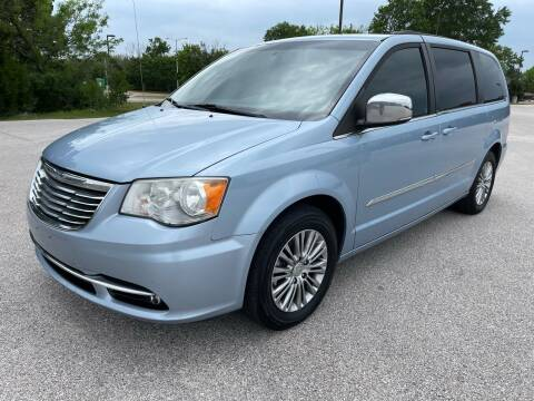 2013 Chrysler Town and Country for sale at Central Motor Company in Austin TX