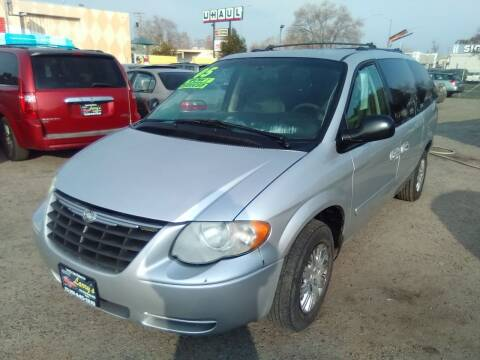 2005 Chrysler Town and Country for sale at Larry's Auto Sales Inc. in Fresno CA