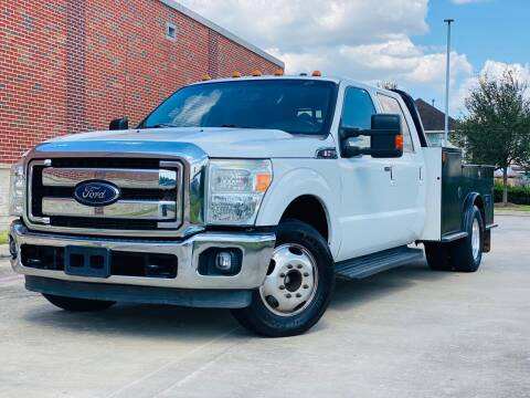 2016 Ford F-350 Super Duty for sale at AUTO DIRECT in Houston TX