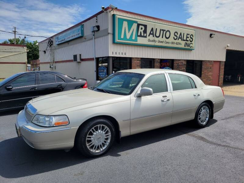 2004 Lincoln Town Car for sale at MR Auto Sales Inc. in Eastlake OH