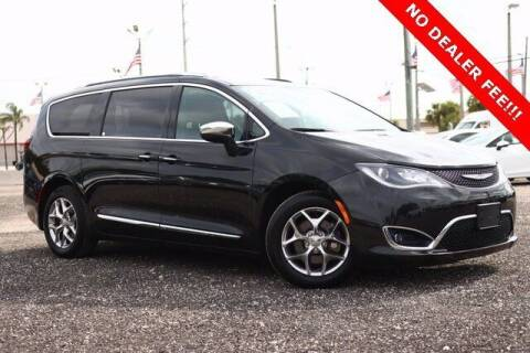 2017 Chrysler Pacifica for sale at JumboAutoGroup.com in Hollywood FL