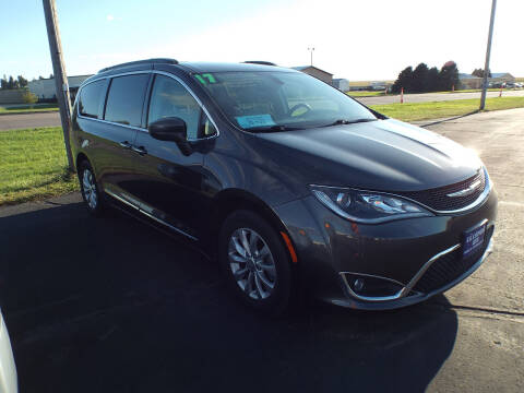2017 Chrysler Pacifica for sale at G & K Supreme in Canton SD