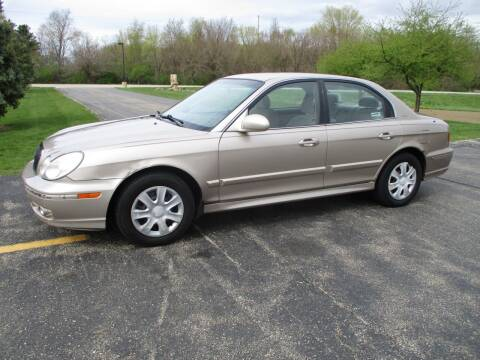 2005 Hyundai Sonata for sale at Crossroads Used Cars Inc. in Tremont IL