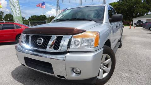 2014 Nissan Titan for sale at Das Autohaus Quality Used Cars in Clearwater FL
