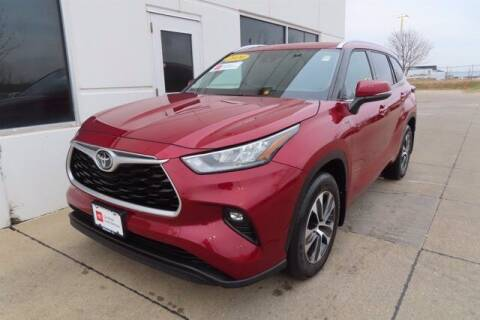 2020 Toyota Highlander for sale at HILAND TOYOTA in Moline IL