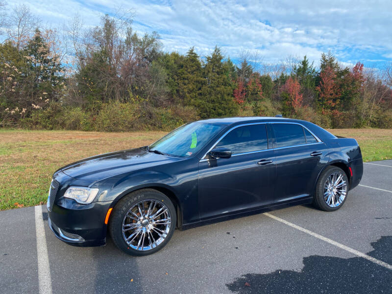2015 Chrysler 300 for sale at Augusta Auto Sales in Waynesboro VA
