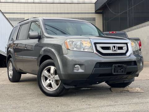 2011 Honda Pilot for sale at Illinois Auto Sales in Paterson NJ