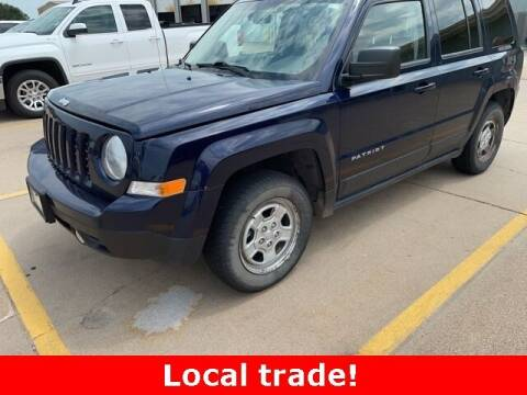 2014 Jeep Patriot for sale at Midway Auto Outlet in Kearney NE
