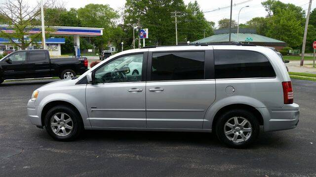 2008 Chrysler Town and Country for sale at VINE STREET MOTOR CO in Urbana IL