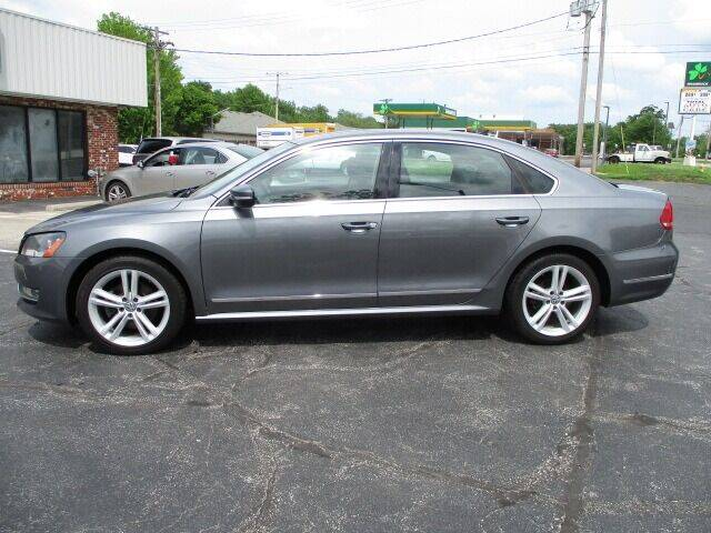 2014 Volkswagen Passat for sale at Pinnacle Investments LLC in Lees Summit MO