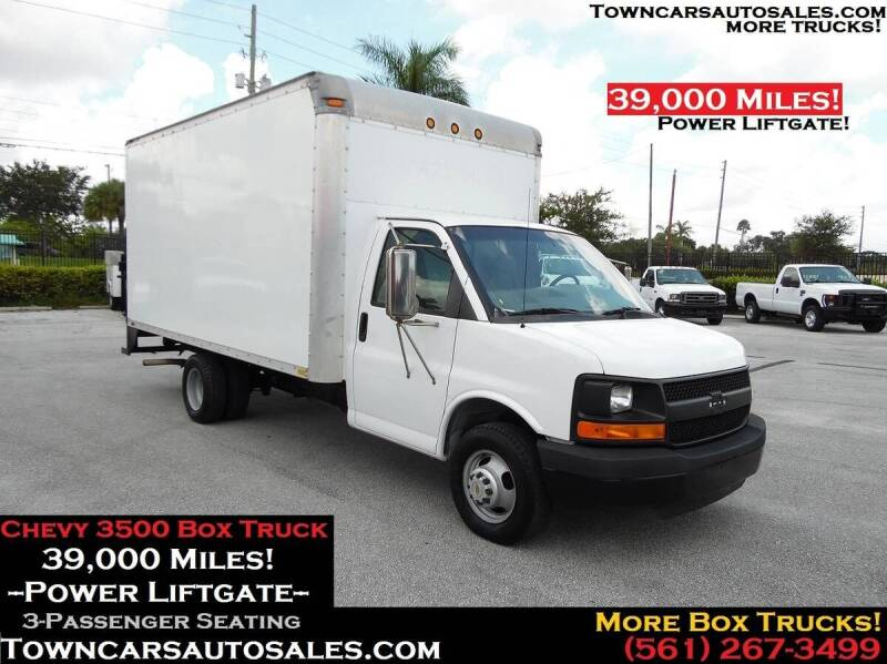 2004 Chevrolet Express Cutaway for sale at Town Cars Auto Sales in West Palm Beach FL
