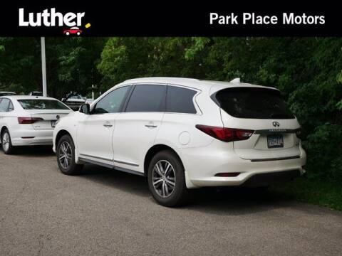 2017 Infiniti QX60 for sale at Park Place Motor Cars in Rochester MN