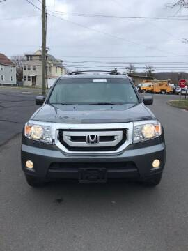 2010 Honda Pilot for sale at Whiting Motors in Plainville CT