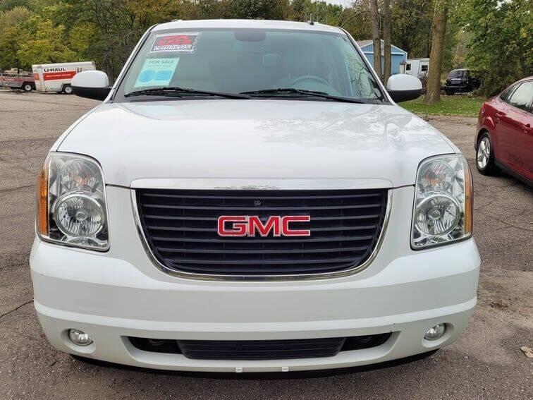 2010 GMC Yukon XL for sale at JEREMYS AUTOMOTIVE in Casco MI