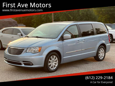 2013 Chrysler Town and Country for sale at First Ave Motors in Shakopee MN