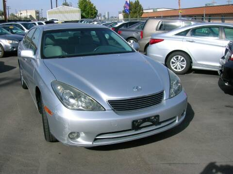 2005 Lexus ES 330 for sale at Avalanche Auto Sales in Denver CO