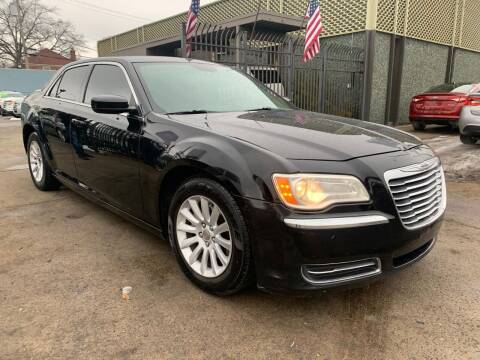 2014 Chrysler 300 for sale at Gus's Used Auto Sales in Detroit MI