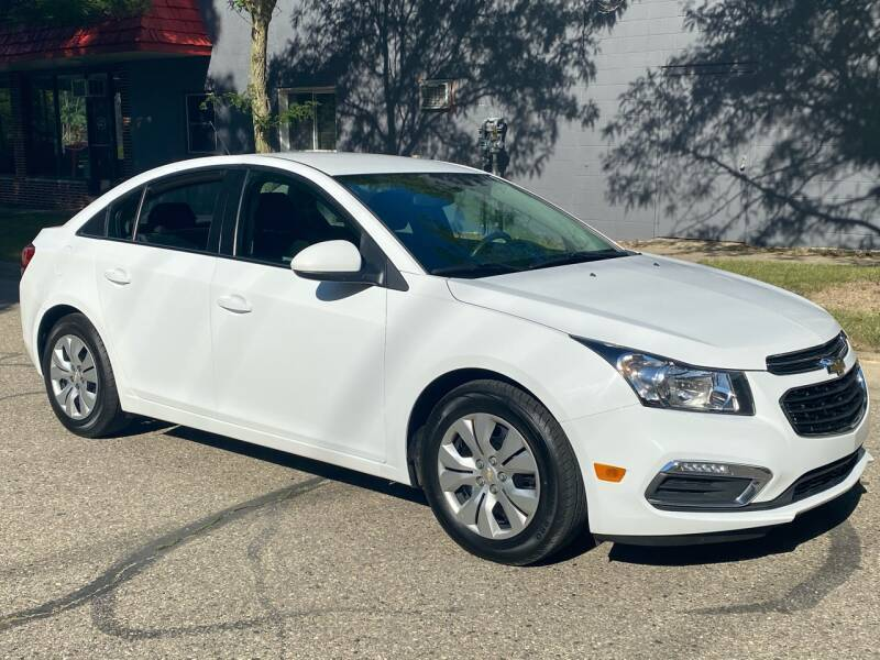 2015 Chevrolet Cruze for sale at Averys Auto Group in Lapeer MI