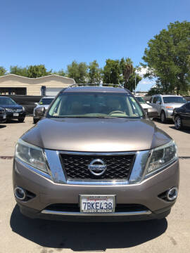 2013 Nissan Pathfinder for sale at EXPRESS CREDIT MOTORS in San Jose CA