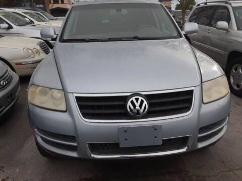 2004 Volkswagen Touareg for sale at DRIVEhereNOW.com in Greenville NC