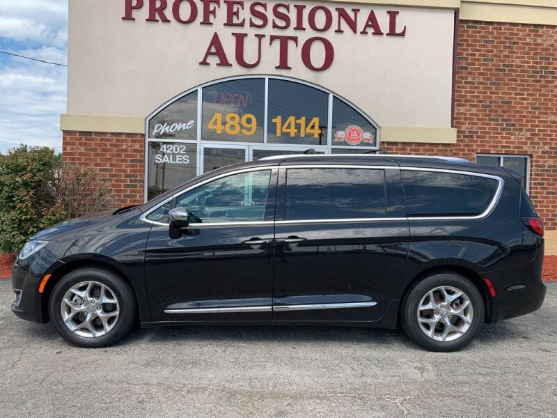 2018 Chrysler Pacifica for sale at Professional Auto Sales & Service in Fort Wayne IN