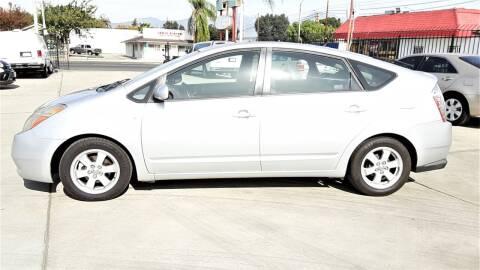 2007 Toyota Prius for sale at DOYONDA AUTO SALES in Pomona CA