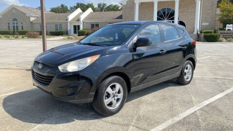 2010 Hyundai Tucson for sale at 411 Trucks & Auto Sales Inc. in Maryville TN