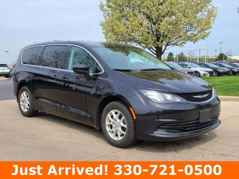 2017 Chrysler Pacifica for sale at Ken Ganley Nissan in Medina OH