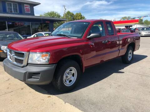 2008 Dodge Dakota for sale at Wise Investments Auto Sales in Sellersburg IN
