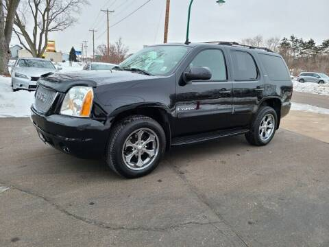 2007 GMC Yukon for sale at Premier Motors LLC in Crystal MN