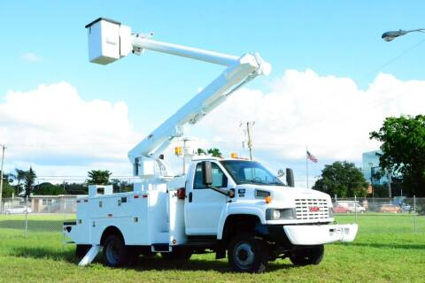 2009 GMC C5500 for sale at American Trucks and Equipment in Hollywood FL
