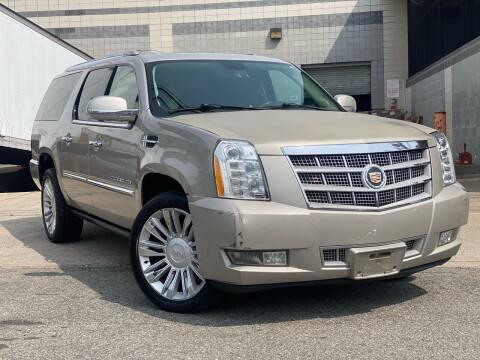 2009 Cadillac Escalade ESV for sale at Illinois Auto Sales in Paterson NJ