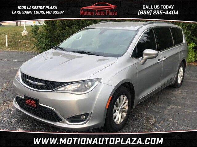 2017 Chrysler Pacifica for sale at Motion Auto Plaza in Lakeside MO